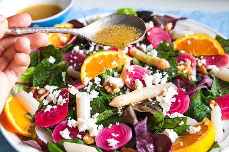 Салат из щавеля и свеклы