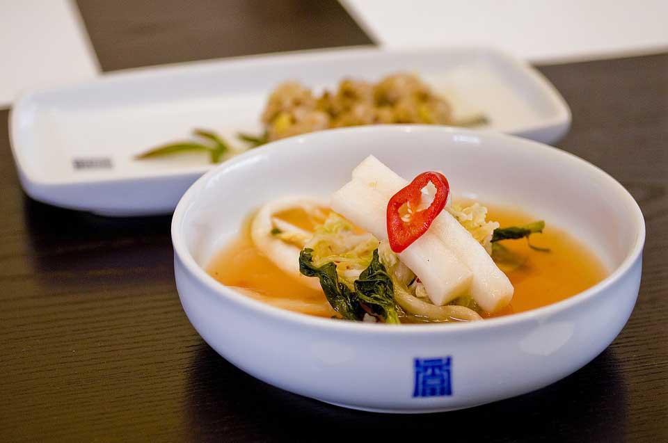 Тиге — острый суп из кимчи