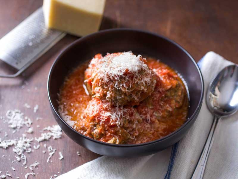 LCHF-митболы в сливочном и томатном соусах