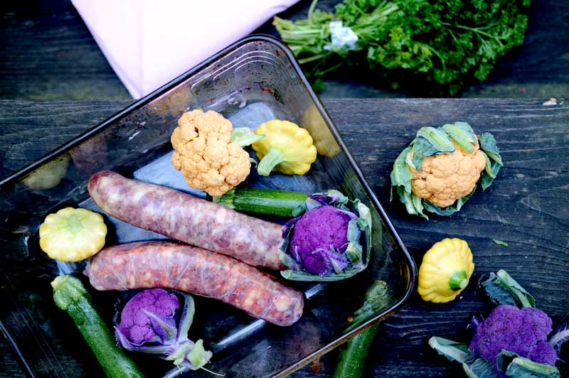 Колбаски с мини-овощами